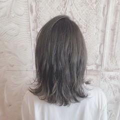 オリーブカラー ロブ ストリート セミロング ヘアスタイルや髪型の写真・画像