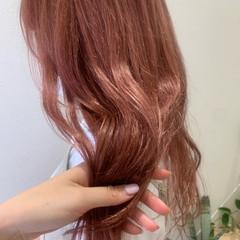 ピンク ピンクカラー ロング ガーリー ヘアスタイルや髪型の写真・画像