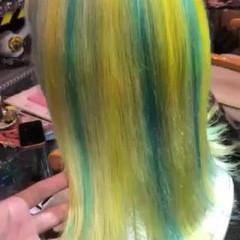 ミディアム ミニボブ 派手髪 メッシュ ヘアスタイルや髪型の写真・画像