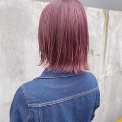 ストリート ボブ ラベンダーピンク 切りっぱなしボブ ヘアスタイルや髪型の写真・画像