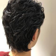 メンズパーマ ナチュラル パーマ ウルフ ヘアスタイルや髪型の写真・画像