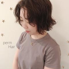 ショートボブ 切りっぱなしボブ ボブ パーマ ヘアスタイルや髪型の写真・画像