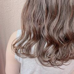 ミディアム ウルフカット 大人ハイライト ナチュラル ヘアスタイルや髪型の写真・画像