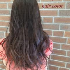 ロング ゆるふわ グラデーションカラー アッシュ ヘアスタイルや髪型の写真・画像