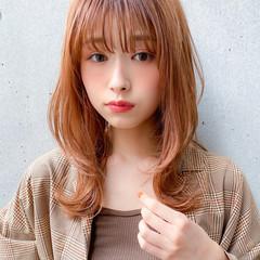 セミロング デジタルパーマ レイヤースタイル ナチュラル ヘアスタイルや髪型の写真・画像