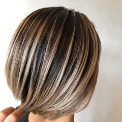 スライシングハイライト ボブ バレイヤージュ ストリート ヘアスタイルや髪型の写真・画像