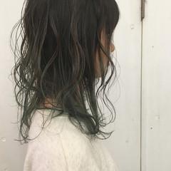 オリーブアッシュ アッシュ グリーン スモーキーアッシュ ヘアスタイルや髪型の写真・画像
