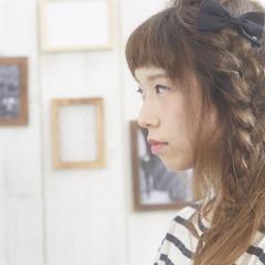 ヘアアレンジ セミロング オン眉 ヘアスタイルや髪型の写真・画像
