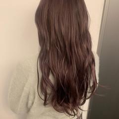 ピンクベージュ ロング ガーリー ピンクアッシュ ヘアスタイルや髪型の写真・画像