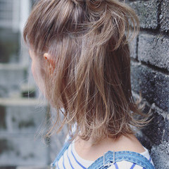 ベージュ ショート ボブ ストリート ヘアスタイルや髪型の写真・画像