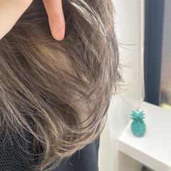 3Dハイライト ハイライト ブリーチカラー グレージュ ヘアスタイルや髪型の写真・画像