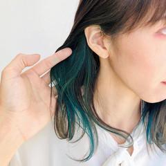 レイヤースタイル ミディアム トレンド フェミニン ヘアスタイルや髪型の写真・画像