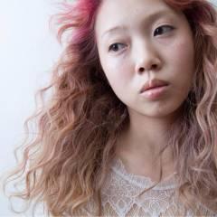 レッド フェミニン 春 ピンク ヘアスタイルや髪型の写真・画像