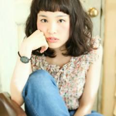 ミディアム ナチュラル 黒髪 フェミニン ヘアスタイルや髪型の写真・画像