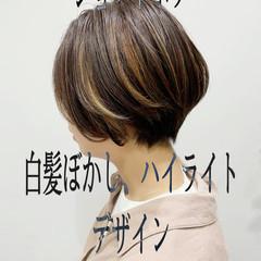 大人ハイライト ナチュラル 切りっぱなしボブ ショートヘア ヘアスタイルや髪型の写真・画像
