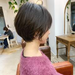 ショートヘア ナチュラル ショート デート ヘアスタイルや髪型の写真・画像