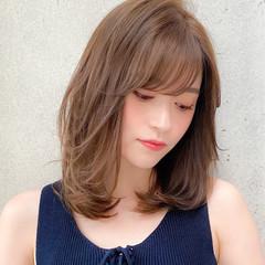ミディアムレイヤー コンサバ 鎖骨ミディアム 小顔 ヘアスタイルや髪型の写真・画像