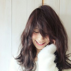 前髪あり 大人かわいい フェミニン 黒髪 ヘアスタイルや髪型の写真・画像