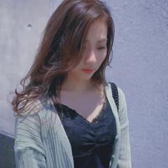 ベージュ ロング ヨシンモリ フェミニン ヘアスタイルや髪型の写真・画像