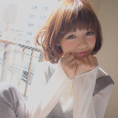 小顔 ショートバング レイヤーカット 似合わせ ヘアスタイルや髪型の写真・画像