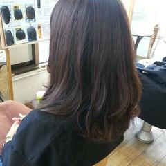 大人かわいい セミロング 暗髪 ナチュラル ヘアスタイルや髪型の写真・画像