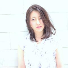 ミディアム ゆるふわ 大人かわいい 外国人風 ヘアスタイルや髪型の写真・画像