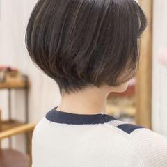 ショートヘア 前下がり 大人かわいい ナチュラル ヘアスタイルや髪型の写真・画像