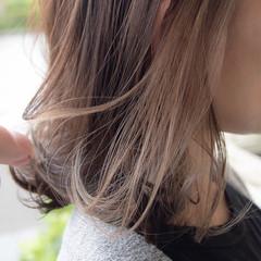 インナーカラーグレー ベージュ ストリート インナーカラーグレージュ ヘアスタイルや髪型の写真・画像