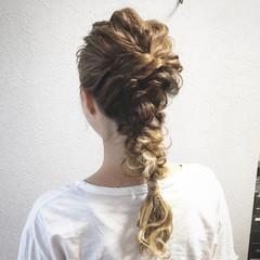 結婚式 ヘアアレンジ ウェーブ グラデーションカラー ヘアスタイルや髪型の写真・画像