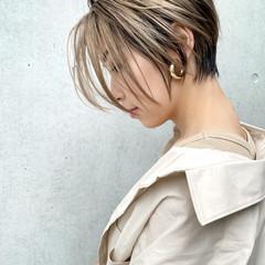 ハイライト ハンサムショート ナチュラル ミルクティーベージュ ヘアスタイルや髪型の写真・画像