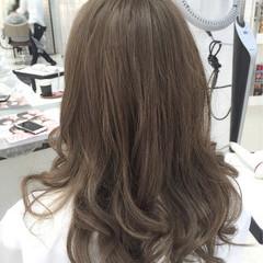 パーマ ハイライト ナチュラル セミロング ヘアスタイルや髪型の写真・画像