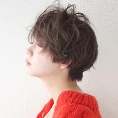 ナチュラル パーマ ゆるふわ アンニュイ ヘアスタイルや髪型の写真・画像