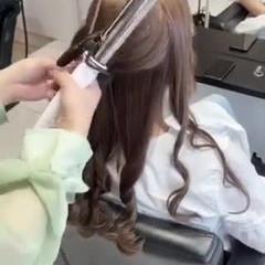 ハイトーン 極細ハイライト ナチュラル ロング ヘアスタイルや髪型の写真・画像