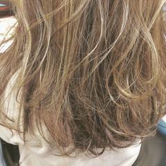 バレイヤージュ ブリーチ 外国人風カラー ハイライト ヘアスタイルや髪型の写真・画像