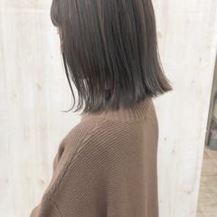 アッシュグレージュ ボブ くすみカラー ナチュラル ヘアスタイルや髪型の写真・画像