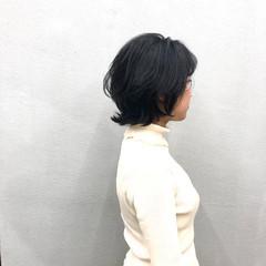 ボブ ネイビーブルー 外ハネボブ レイヤーカット ヘアスタイルや髪型の写真・画像