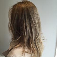 ハイライト ナチュラル 渋谷系 セミロング ヘアスタイルや髪型の写真・画像
