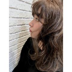 外ハネ アンニュイ ウェーブ ゆるふわ ヘアスタイルや髪型の写真・画像