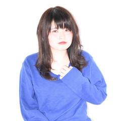 前髪あり ナチュラル 暗髪 外国人風 ヘアスタイルや髪型の写真・画像