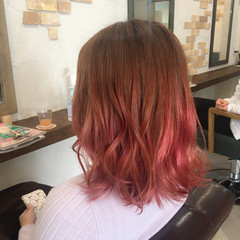 ミルクティー 外ハネ ピンク ボブ ヘアスタイルや髪型の写真・画像