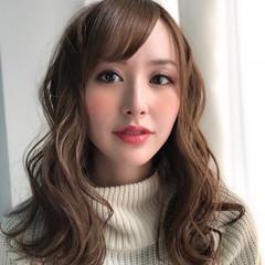 波ウェーブ 巻き髪 毛束感 フェミニン ヘアスタイルや髪型の写真・画像
