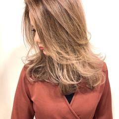 レイヤーカット ベージュ モード ハイライト ヘアスタイルや髪型の写真・画像
