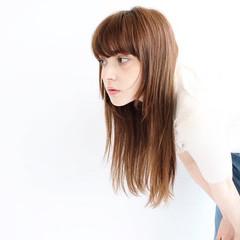 ナチュラル ロング レイヤーカット レイヤーロングヘア ヘアスタイルや髪型の写真・画像