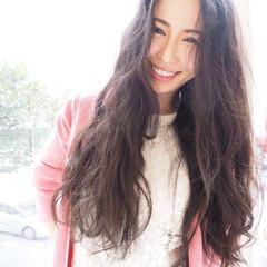 波ウェーブ ゆるふわ アンニュイ リラックス ヘアスタイルや髪型の写真・画像