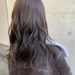 韓国ヘア グレーアッシュ ロング 大人かわいい ヘアスタイルや髪型の写真・画像