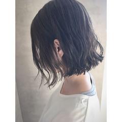 ナチュラル 切りっぱなし グレージュ ボブ ヘアスタイルや髪型の写真・画像