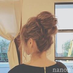 ヘアアレンジ フェミニン ロング ミルクティー ヘアスタイルや髪型の写真・画像