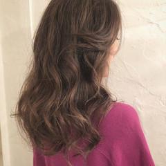 グレージュ エレガント 外国人風カラー グラデーションカラー ヘアスタイルや髪型の写真・画像