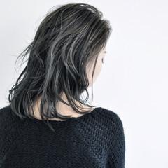 ミディアム ストリート ストレート 外国人風 ヘアスタイルや髪型の写真・画像