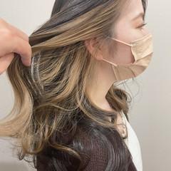 大人かわいい イヤリングカラーベージュ イヤリングカラー エレガント ヘアスタイルや髪型の写真・画像